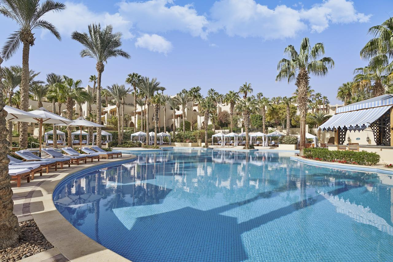 Бассейн в Four Seasons Resort Sharm El Sheikh или поблизости