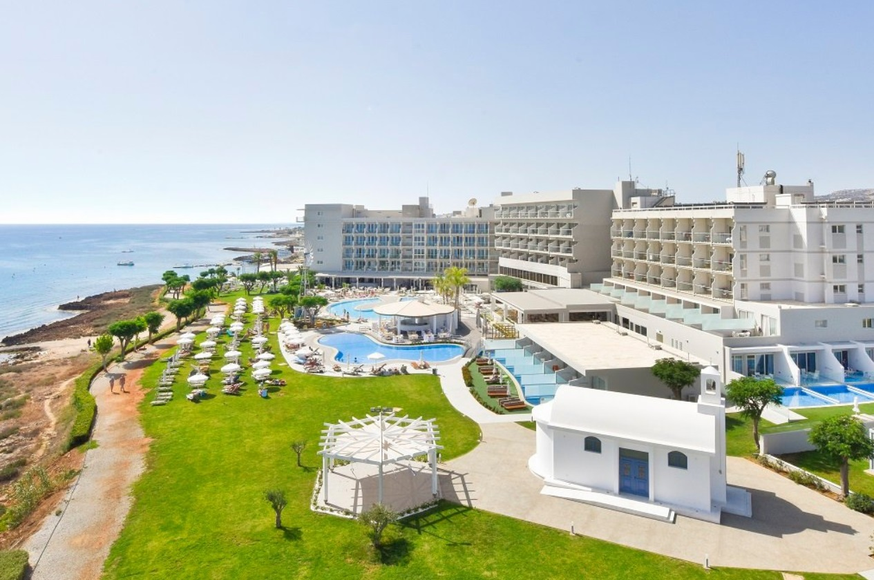 PERNERA BEACH HOTEL 3 *